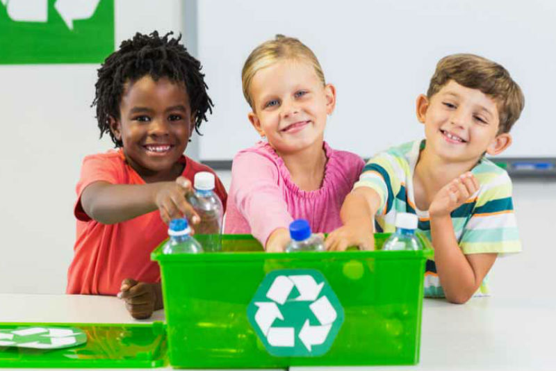 How to encourage children to recycle in schools